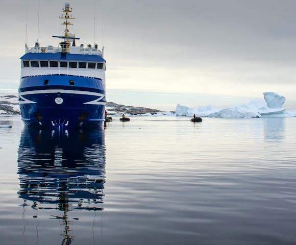 Ocean Nova ship