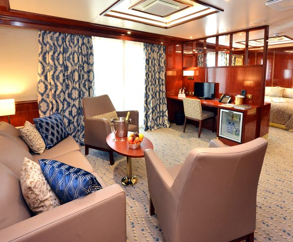 What is a luxury Antarctica cruise like? Hebridean Sky Ship