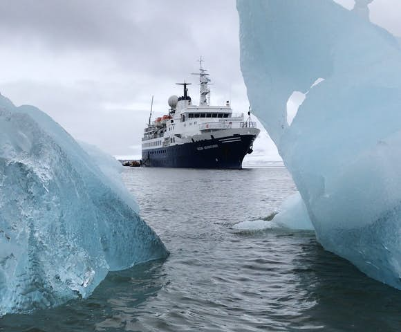 Ocean Adventurer ship